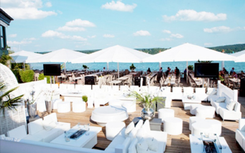 H´ugo´s Beach Club Undosa